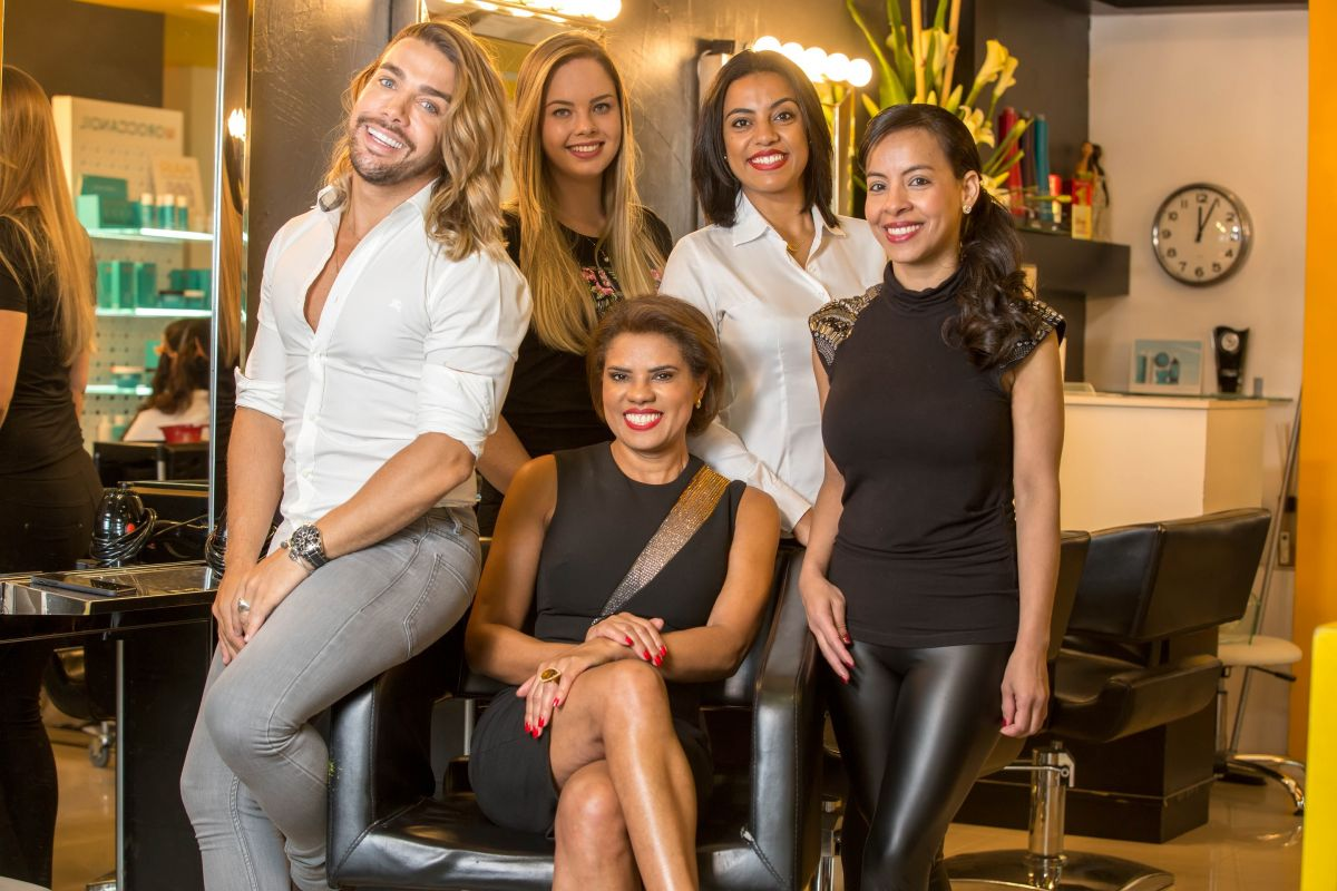 DA SILVA HAIR AND BEAUTY TEAM